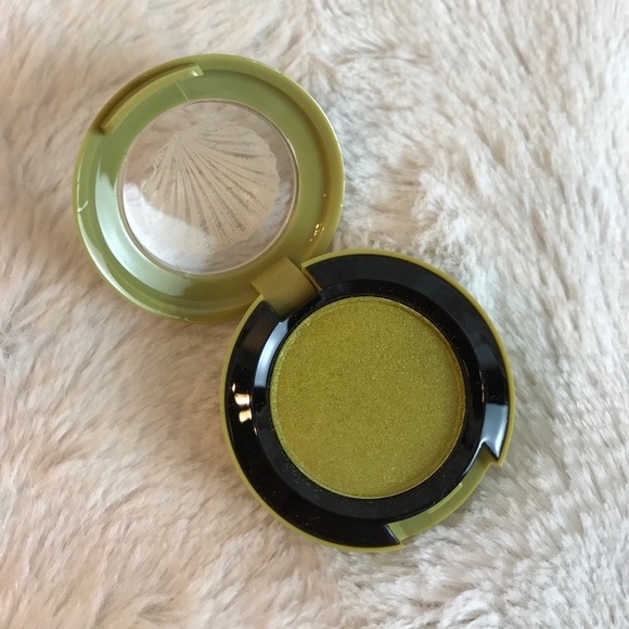 MAC Cosmetics Other - LE MAC SWEET & PUNCHY EYESHADOW TO THE BEACH