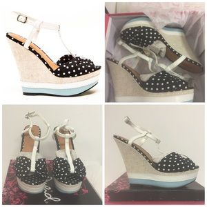 Shoes - NIB size 8.5 wedges