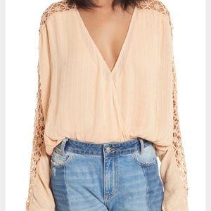 V neck lace blouse 