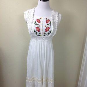 Womens White Vintage Flower Dress On Poshmark