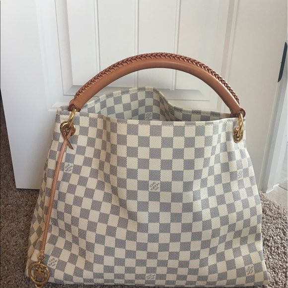e542a93166dc Louis Vuitton Handbags - Authentic Louis Vuitton Damier Azur artsy mm
