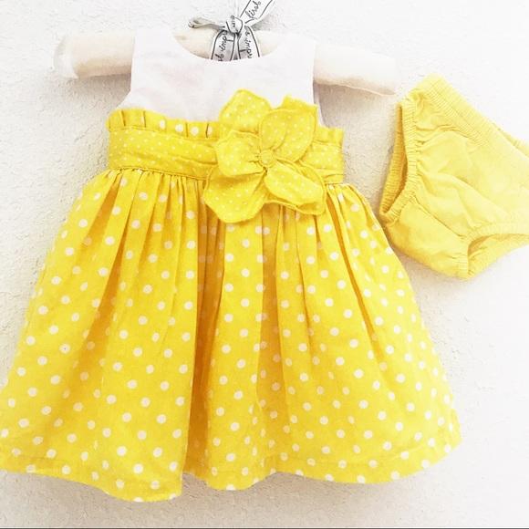 Carter's Dresses - Carter's Baby Dress (New born)