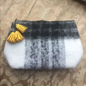 NWT URBAN OUTFITTERS CLUTCH PURSE