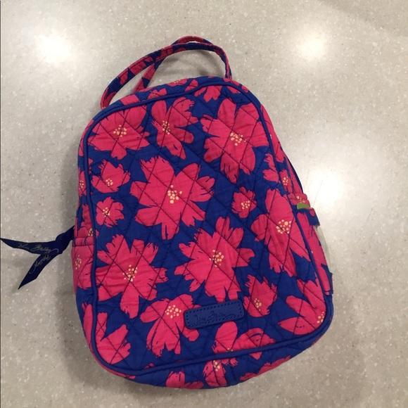 c43d176cfb 🌺Vera Bradley Art Poppies Lunch Bag 🌺. M 59849ee3bf6df52b060296a3
