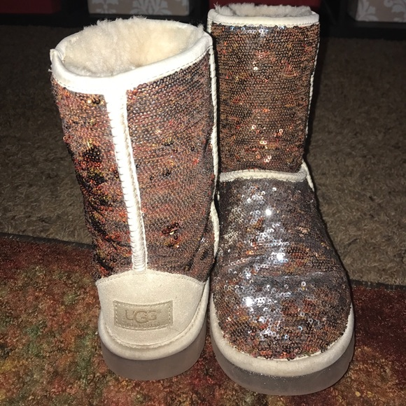 b5573a78354 SALE!! REVERSIBLE SPARKLE CHAMPAGNE UGGS