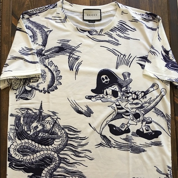 fbfc4ea9317 Gucci Other - Gucci Donald Duck Shipwrecked tee size Large men