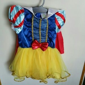 Snow white toddler Halloween costume
