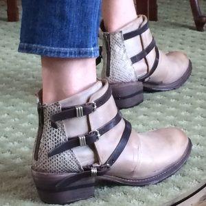 🍃💕NIB Steve Madden Freebird Leather Ankle Boot