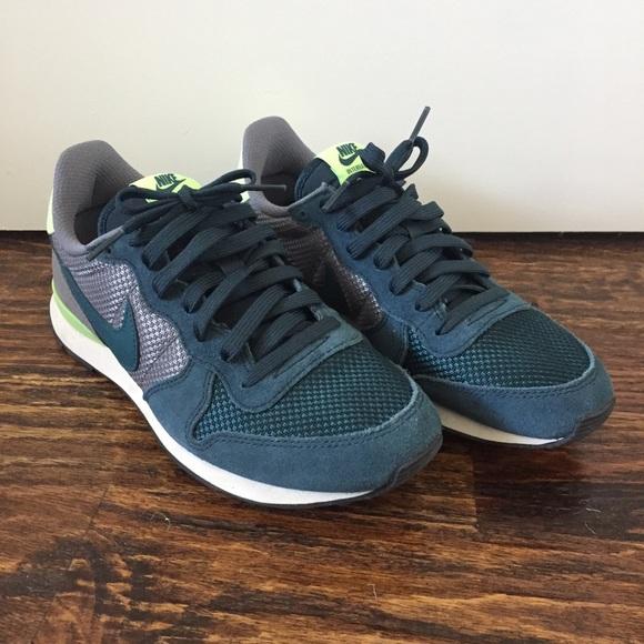 promo code f9c46 7a392 Nike Shoes | Internationalist Womens Shoe Guc Size 75 | Poshmark