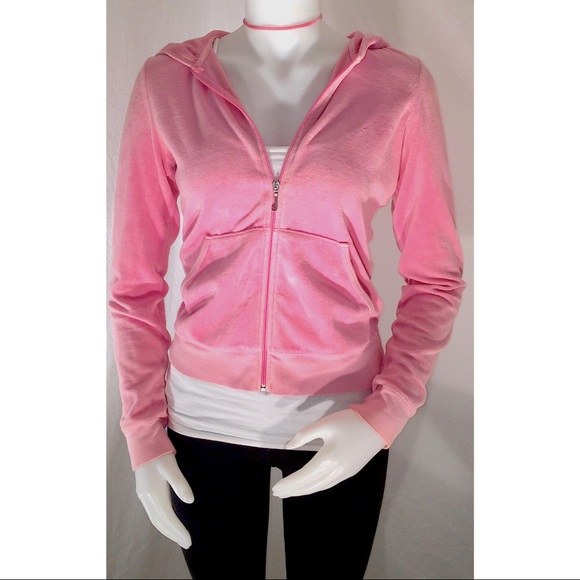 Juicy Couture Tops - 🎉SALE🎉Juicy Couture Velour Hoodie 5b53b9e3ef0d