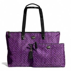 Coach NWT Purple Packable weekend tote and pouch