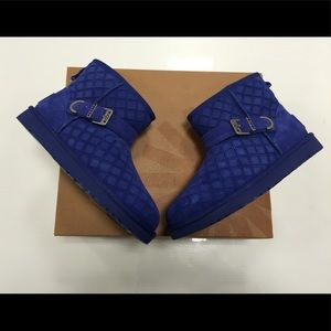 Ugg marilu blue quilted boots size 7 new