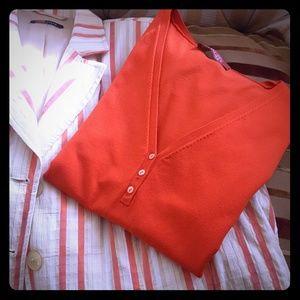 STYLE HAMMER RED SHORT SLEEVES TOP SWEATER!