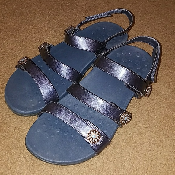 74bcdf54e805 Vionic sandals 9w. M 598500e17fab3a8080043f75