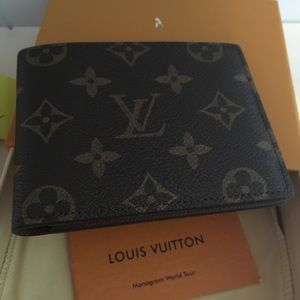 Louis Vuitton men's multiple wallet