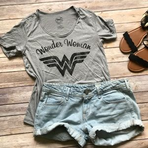 Wonder Woman Tee size XS