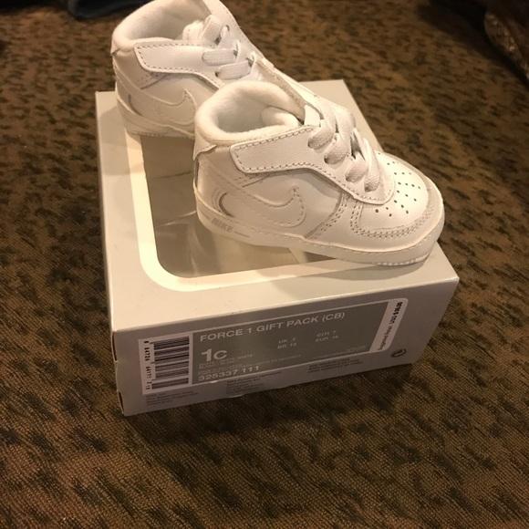 Nike Shoes | Girls Boys Size Nike Air