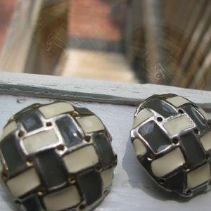 Gray and Ecru glossy basketweave clip earrings Vtg