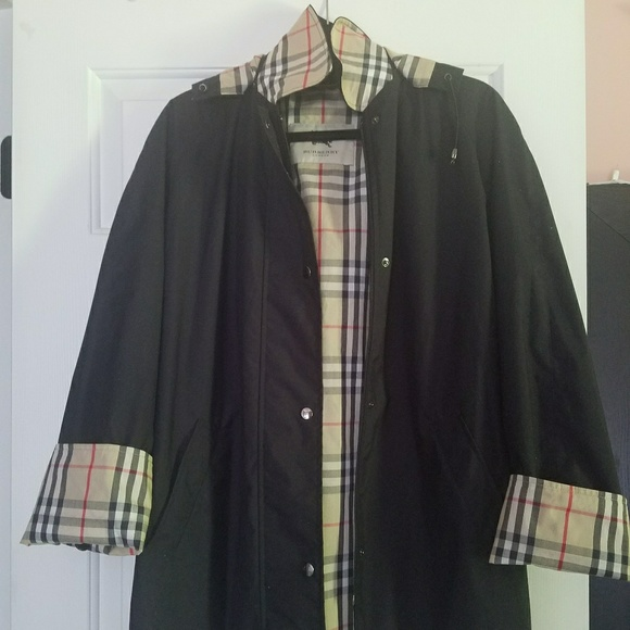 1a3570e93035 Burberry Jackets   Blazers - 100% Authentic Burberry Brittany Raincoat