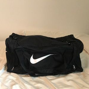 Extra large Nike duffle/travel bag black