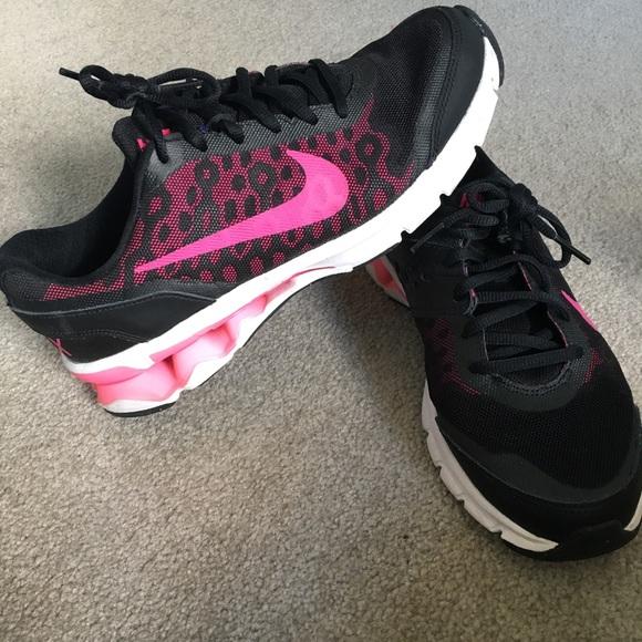 women s nike shoes reax run 60 932804