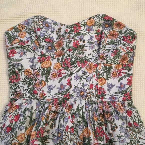Jack Wills Dresses & Skirts - NWT Jack Wills Strapless Floral Dress