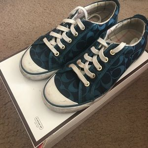 COACH SHOES SIZE 8 IN TEAL