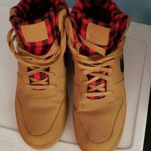 newest 72673 45d3a Nike Shoes - Nike Air Force 1 Flannel