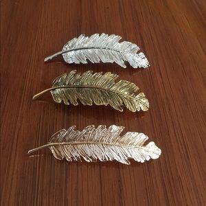 Accessories - Set of 3 feather hair barrettes