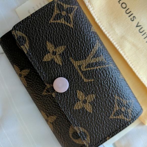 a1bc0058df09 Louis Vuitton Handbags - Luis Vuitton Rose ballerine 6 key holder
