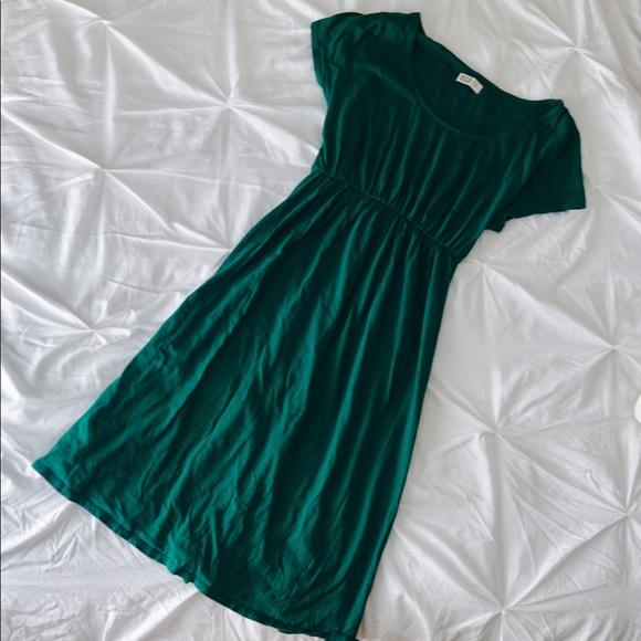 d1579d92d61e1 Dark green maternity dress Old Navy. M_598637585c12f8e80903babe