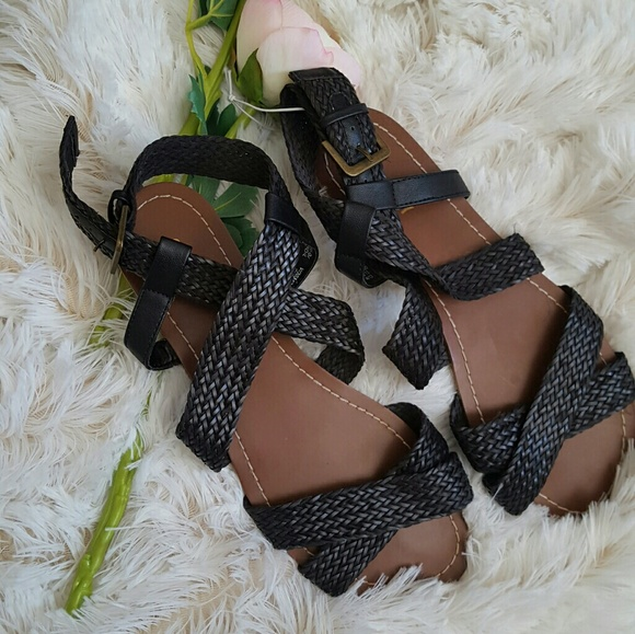 f720436633f 👋SALE!! Old navy woven sandal flat nwt gladiator