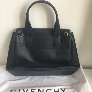 Givenchy Bags - Givenchy Pandora Pure 💯auth NOtrade 0c913e3214e80