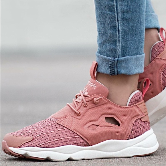 4a708fb23235d0 Reebok Women s Pink Furylite New Woven Sneakers. M 59864b5f36d594732704110f