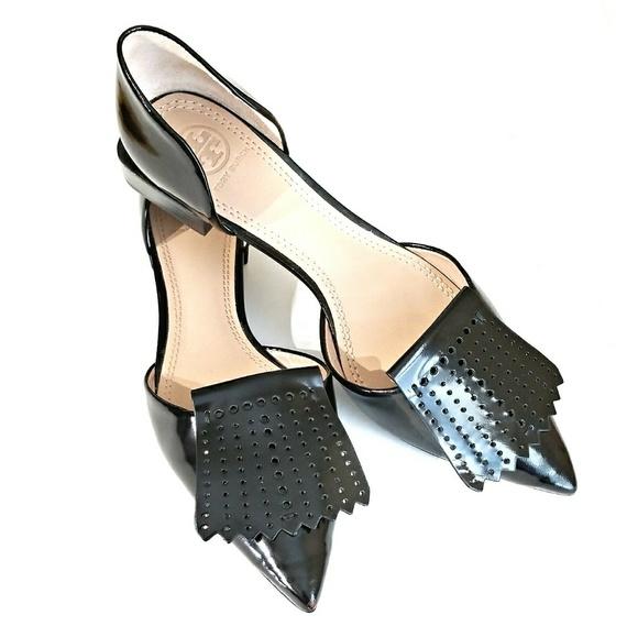 4f2548d92a9d53 Tory Burch Hyde Leather Perforated Fringe Flats. M 59864b6f291a358f57042f0e