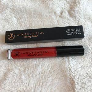 Anastasia Beverly Hills Makeup - BNIB RUNAWAY RED ANASTASIA BEVERLY HILLS LIPGLOSS
