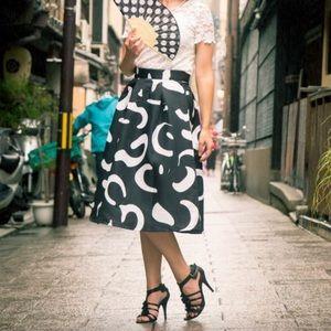 Dresses & Skirts - Black & White High Waist Midi Skirt