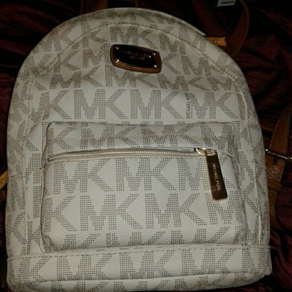 01dd2c6ada33e Micheal kors mini backpack. M 598692f53c6f9fd7e6058213