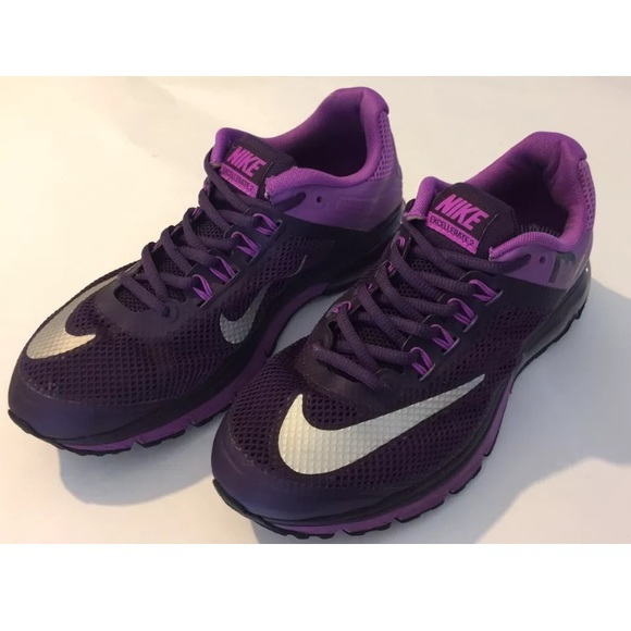 big sale d427b c4936 Nike Shoes - Size 9 Womens Air Max Excellerate 2