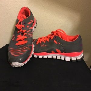 Shoes - Redbox tennis shoe size 7 1/2 gray and orange