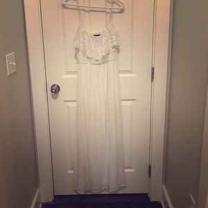 Dresses & Skirts - Long, white maxi dress