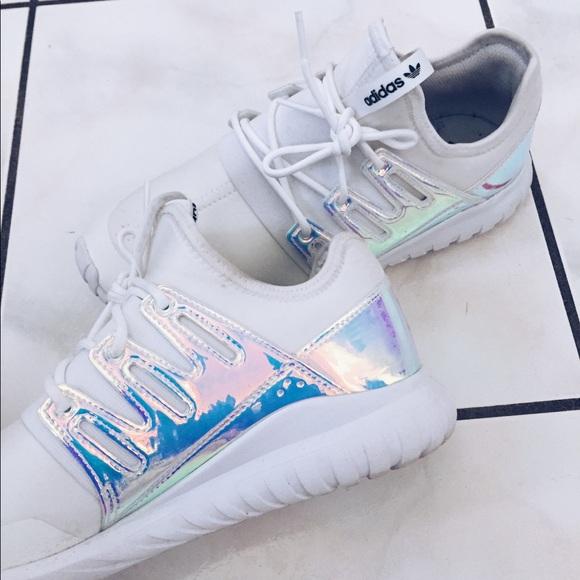 le adidas tubulare iridescenti scarpe poshmark radiale
