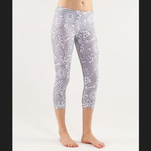 Beach floral cropped wunder unders