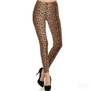 << Sexy Leopard Print Butter Soft Leggings >>