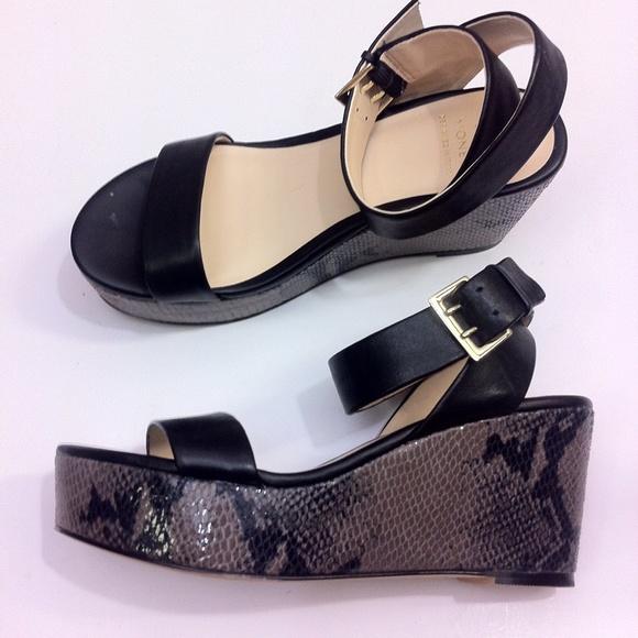 9ecf4cacf52d Monet black leather strap wedge platform sandals 6.  M 598776bc36d5945bdb07fd0a