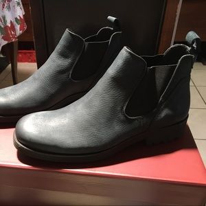82fefd7603c New with box Wolverines Eckins Chelsea boot NWT