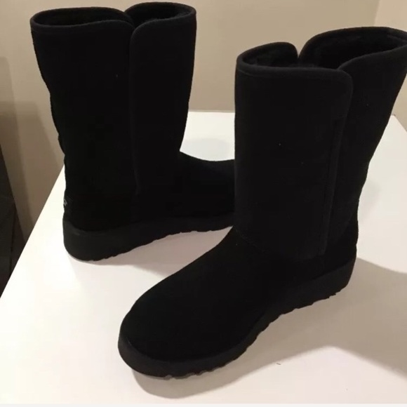 b30aaf68932 New Ugg Amie black Suede short boot Sale ❤️🔥sz 5 NWT