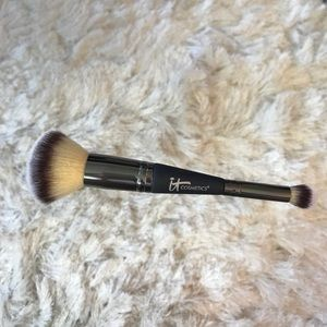 IT COSMETICS HEAVENLY LUXE FACE BRUSH No. 7