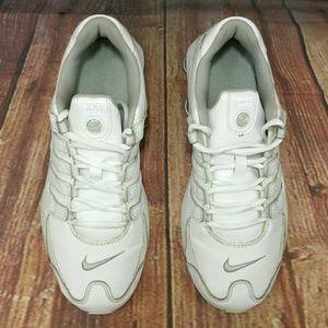 Nike Shoes - NIKE Shox NZ SI Plus white silver Shoes Sz 6.5Y a85c6af53