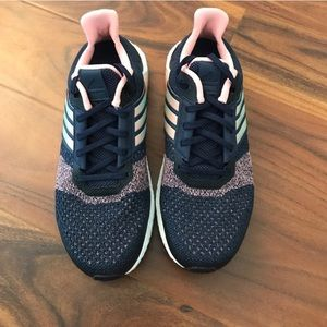 Adidas zapatos poshmark continental ultra Boost St